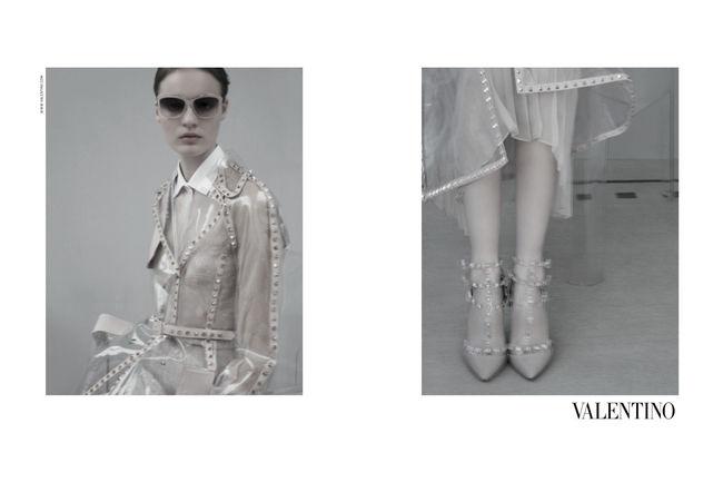 alentino Model: Tilda Lindstam Fotograf: Sarah Moon © Courtesy of Valentino  Themen: VALENTINO, KAMPAGNEN, FRÜHJAHR/SOMMER 2013