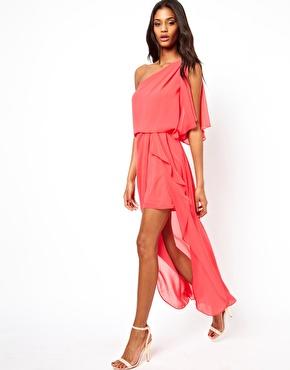 ASOS - One-Shoulder-Kleid mit Schlitz vorne auch in einem frischen Gelb erhältlich (72,22 €)  http://www.asos.de/ASOS/ASOS-One-Shoulder-Dress-With-Split-Front/Prod/pgeproduct.aspx?iid=2943335&cid=8799&sh=0&pge=0&pgesize=20&sort=-1&clr=Chartreuse