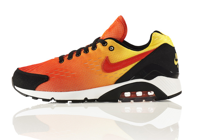 THE SKY IS THE LIMIT WITH THE NIKE AIR MAX SUNSET PACK  / Foto: Nike