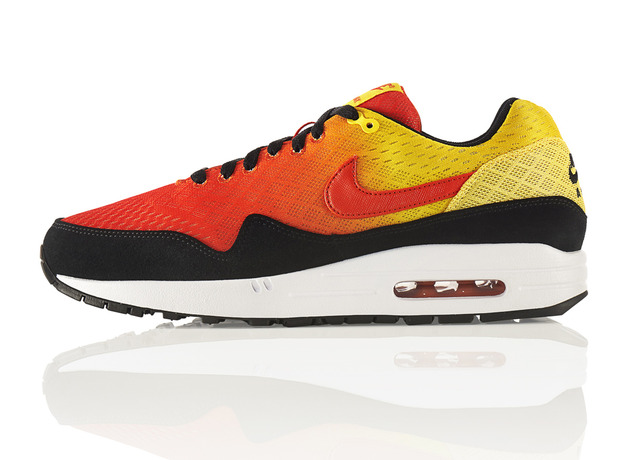 THE SKY IS THE LIMIT WITH THE NIKE AIR MAX SUNSET PACK -  Air Max 1/ Foto: Nike